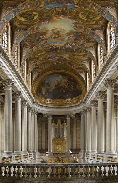 389px-Versailles_Chapel_-_July_2006_edit.jpg