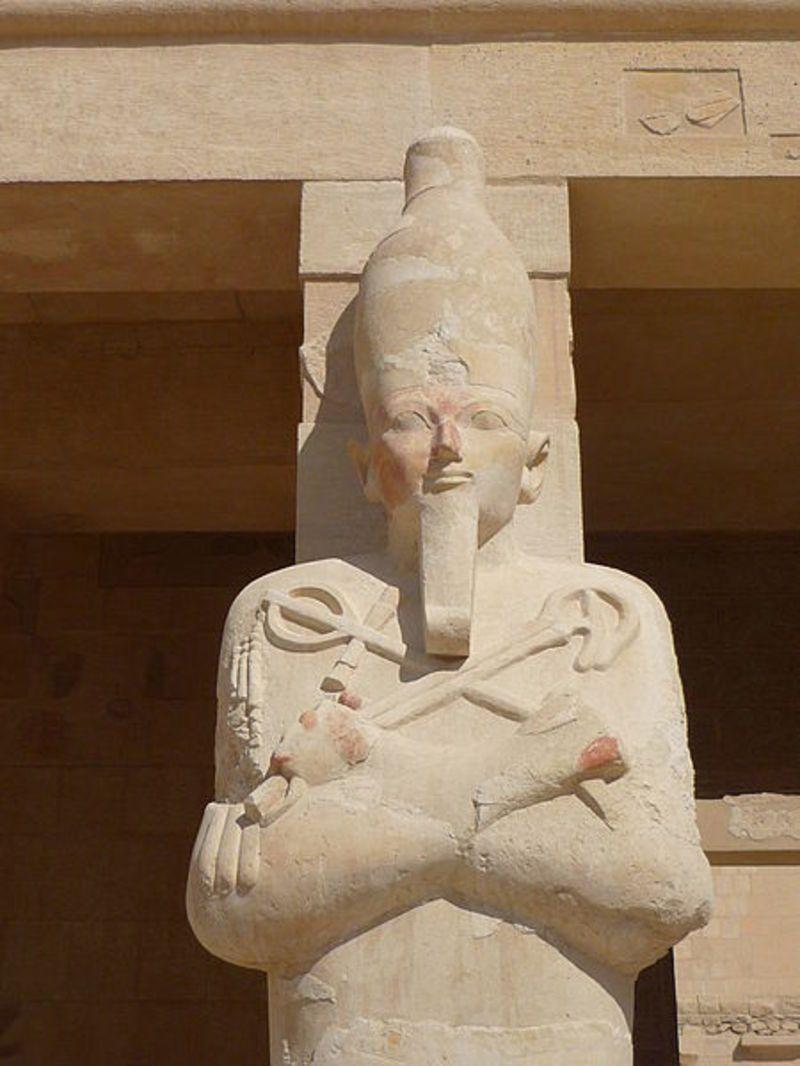 450px-Hatshepsut_temple33.jpg