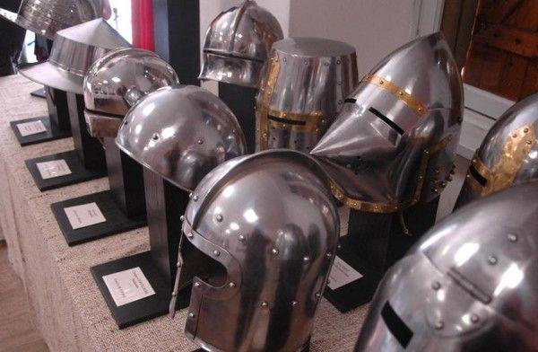 Moyen Age - armement et équipement - Le heaume -