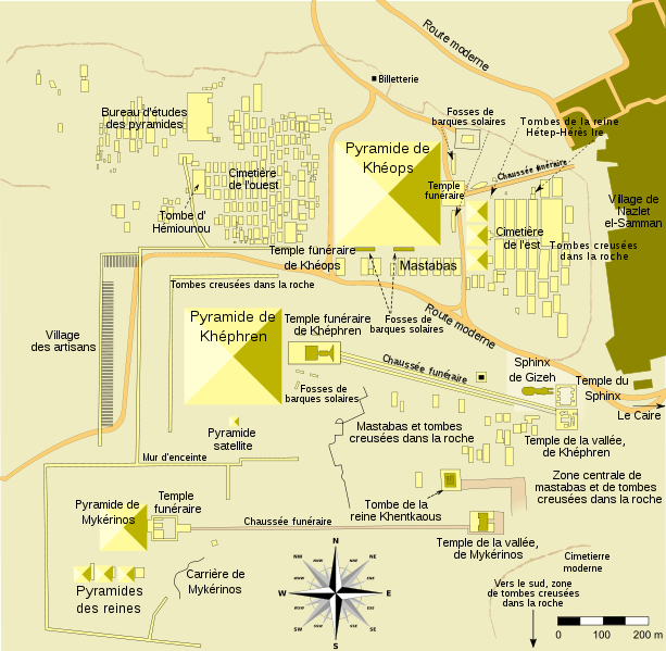 613px-Giza_pyramid_complex_map_fr-svg.png