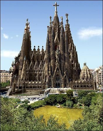 Monuments - Sagrada Familia - Photos -
