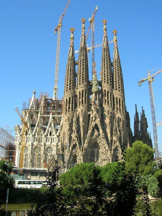 Monuments - La Sagrada Familia - Histoire -