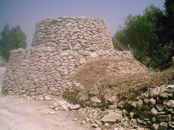 La(les)maison(s) - Cabane en pierre(s) sèche(s) -