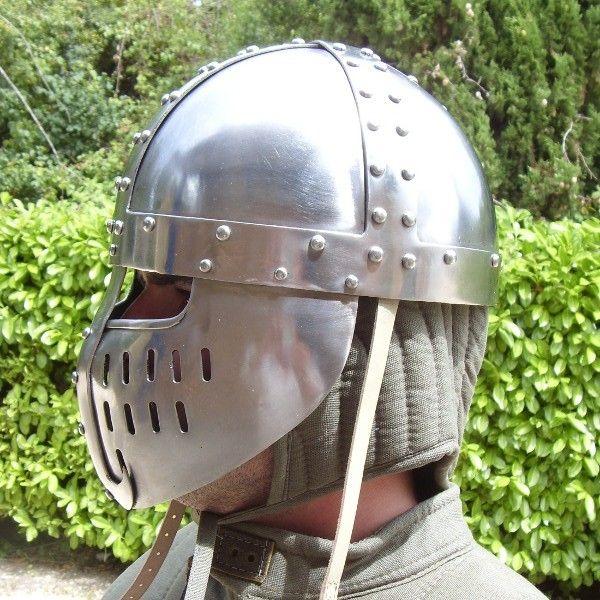 Moyen Age - armement et equipement - Cervelière -