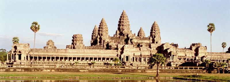 Angkor-Vat_West.jpg