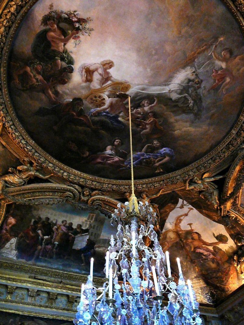 Plafond-Salon_Apollon-Versailles.jpg