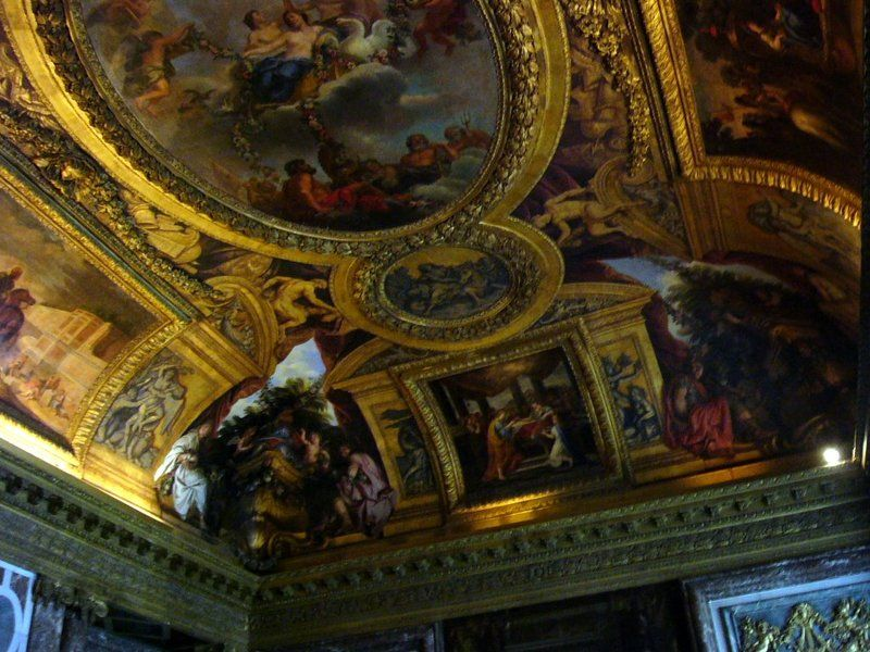 Plafond-du-salon-de-diane-du-chateau-de-versailles.jpg