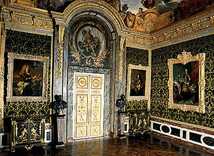 Chateau de versailles salon de l 39 abondance for Salon de versailles