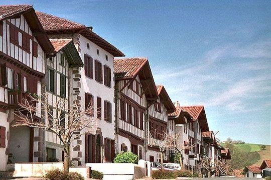 ainhoa-pyrenees-a.jpg