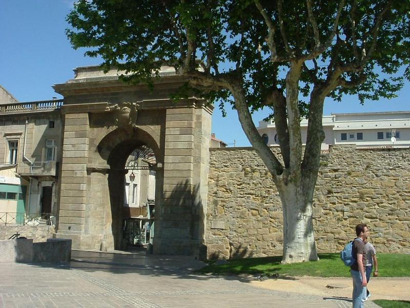 bastide-porte1-229f566.jpg