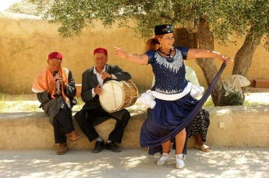 danse-musique-tunisienne-265958.jpg