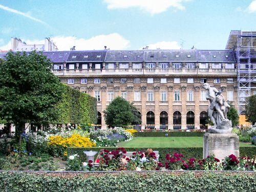 Tourisme et histoire - Paris - Palais Royal -