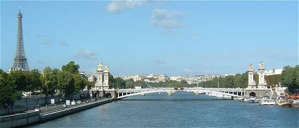 Tourisme et histoire-Paris-Tour Eiffel-7° arrondissement -1
