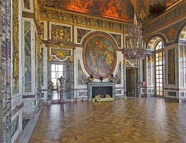 Chateau de Versailles - Salon de la Paix -