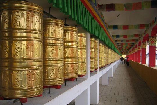 lamaserie-tibet-771541.jpg