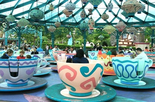mad-hatter-s-tea-cups-307984-218582c.jpg