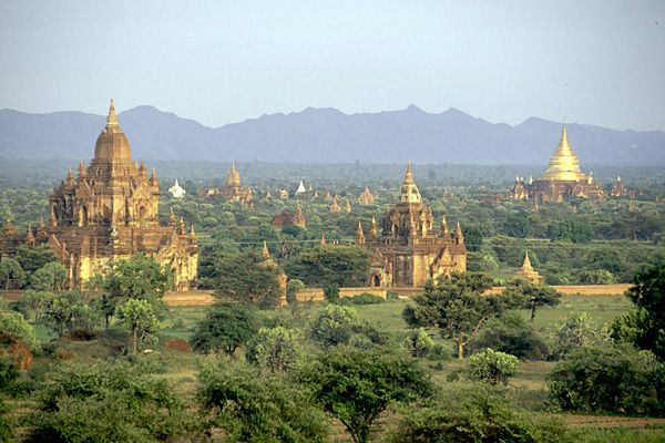 myanmar_bagan_view_sunset.jpg