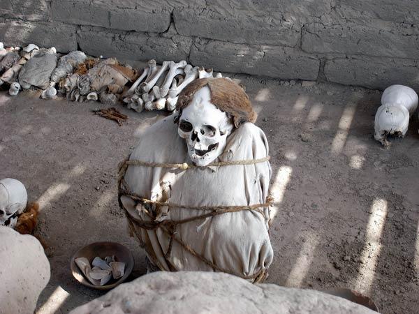 nazca-momie-3-1371867.jpg