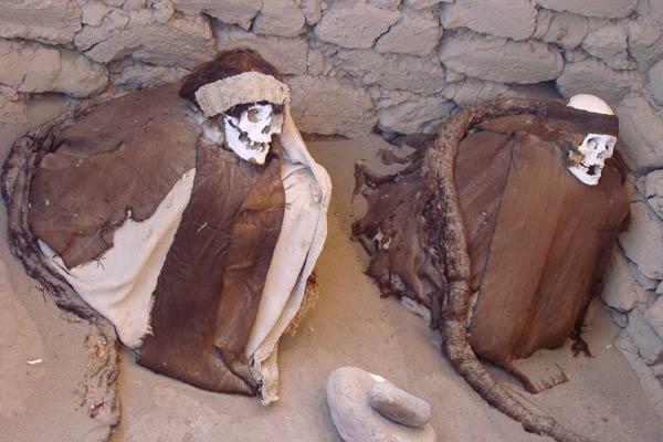 nazca-momie-5-13718ab.jpg