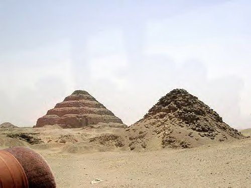 pyramide_djoser_et_ouserkaf-12cae7f.jpg