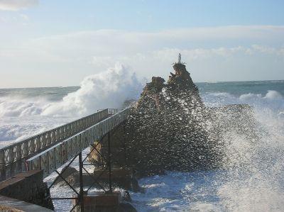 rocher-vierge-biarritz-plus-belles-photos-vagues_298261.jpg