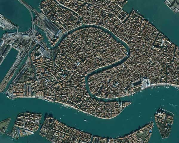 satellite-123537f.jpg