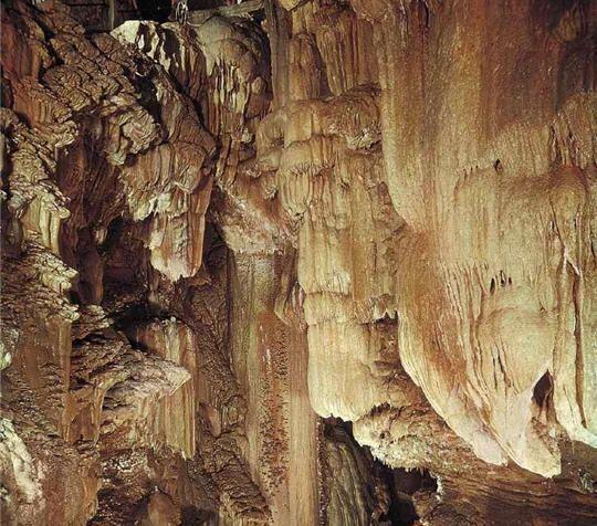 stalactites-602829-2170d81.jpg